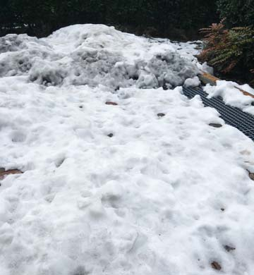 汚い雪〜〜