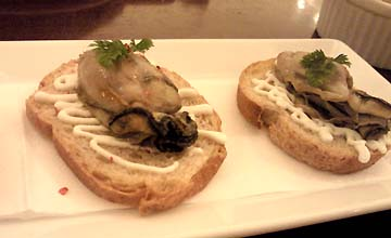 牡蠣を食べると幸せなのです